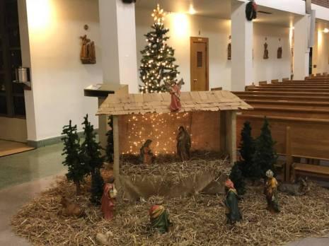 Christmas decorating 2018 4